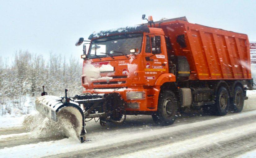 Более 9400 километров региональных дорог обработано в Смоленской области с начала недели