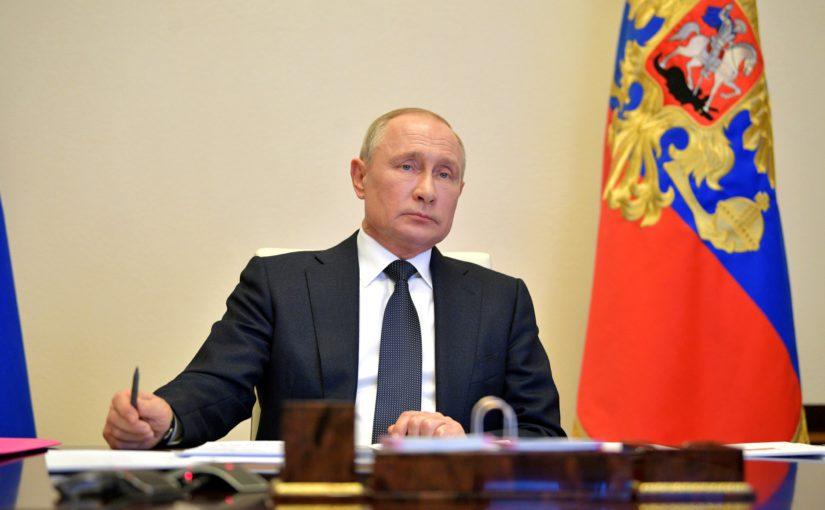 Владимир Путин поручил Михаилу Мишустину установить 28 апреля Днем работника скорой помощи