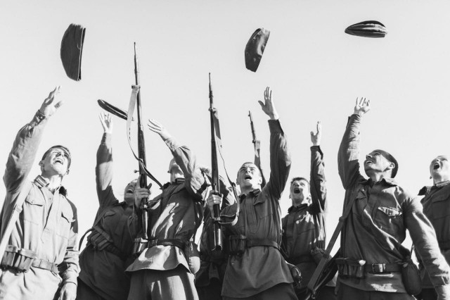 Смоляне могут увидеть первую выставку фото-реконструкций «Выстояли и победили» в режиме онлайн