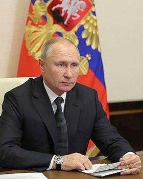 Владимир Путин поздравил выпускников и пожелал им максимально использовать все возможности