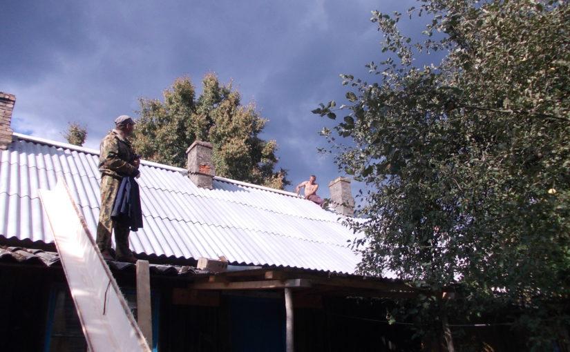 В селе Ворга отремонтировали крышу многоквартирного дома